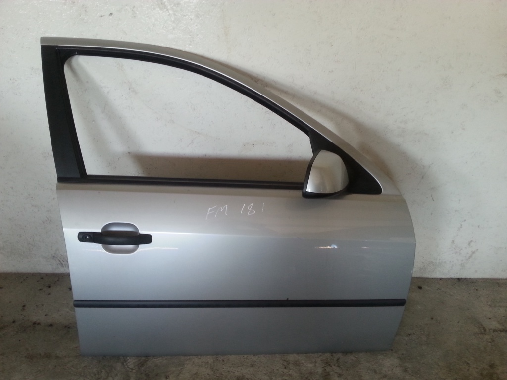 Дверь правая передняя Форд Мондео 3.jpg